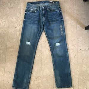 GUESS // mid rise straight leg distressed jeans